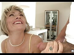 Mature Woman likes his Younger Dick