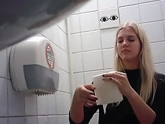 Blond pee toilet